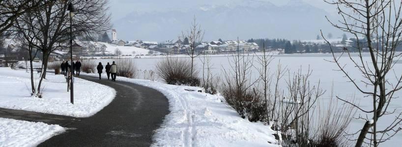 Die Hopfensee-Südrunde ist eine 4,9 Kilometer lange Winterwanderung